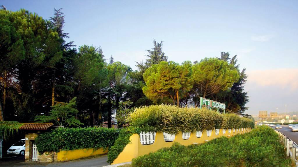 Hotel-Eurogarden-Rome-external