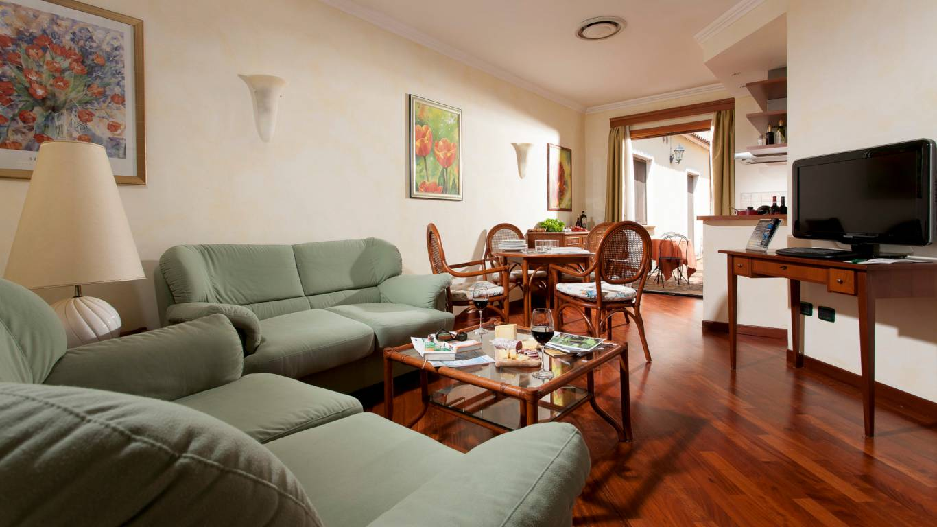 Hotel-Eurogarden-Rome-apartment