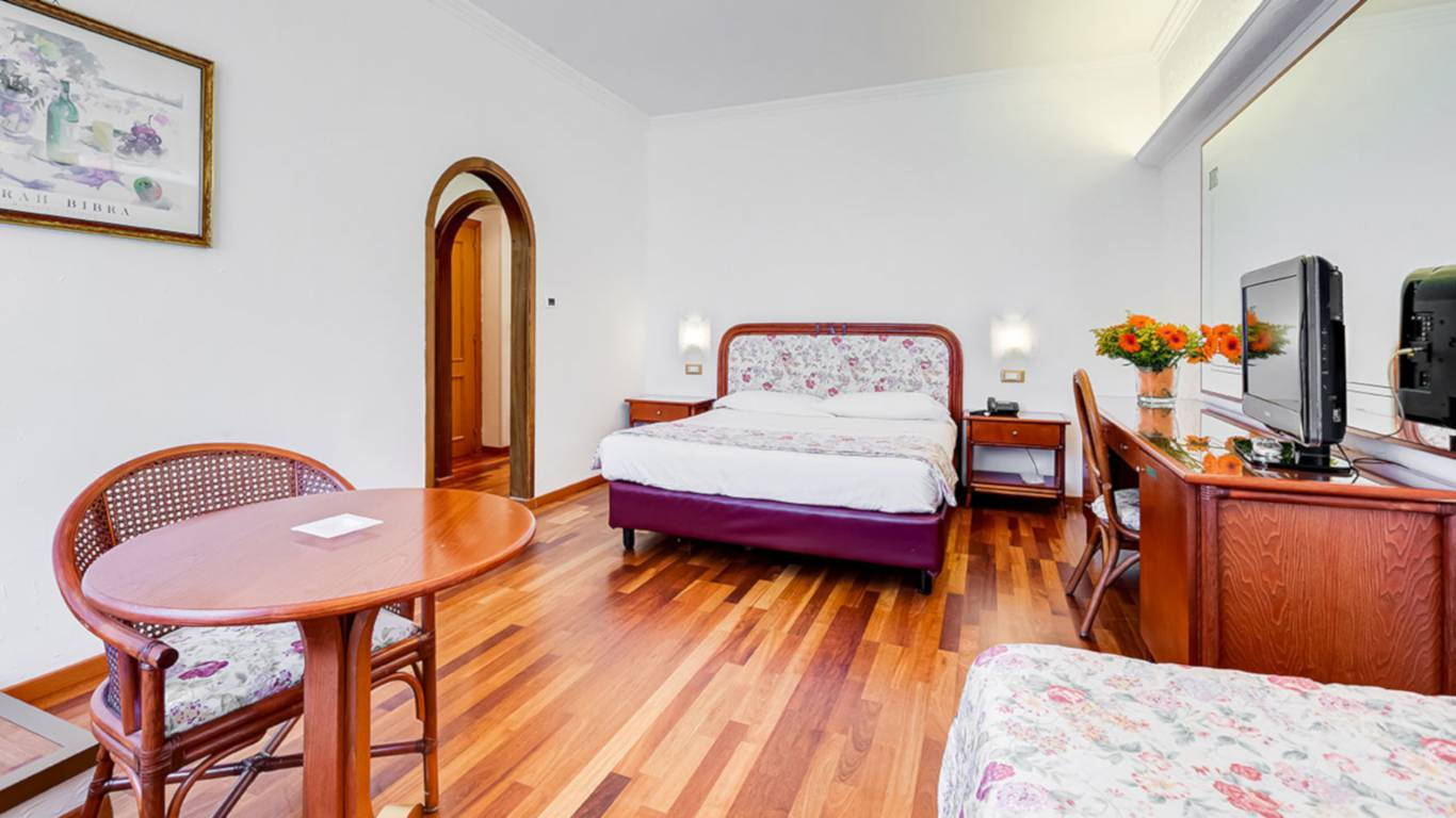 Hotel-Eurogarden-Rome-family-room-3