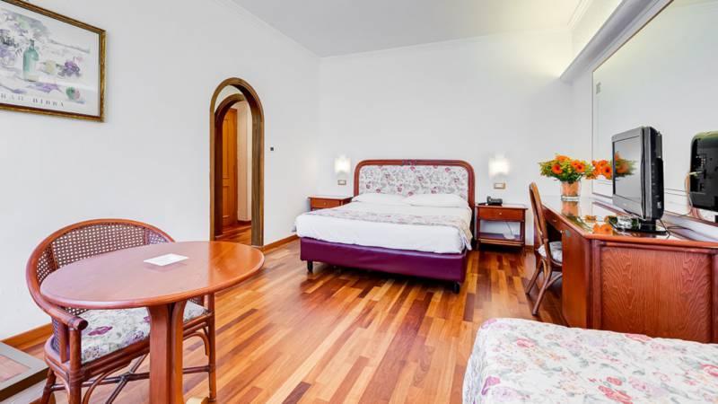 Hotel-Eurogarden-Roma-family-room-3